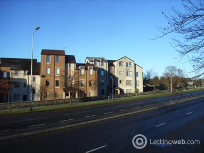 Property to rent in Headland Court,