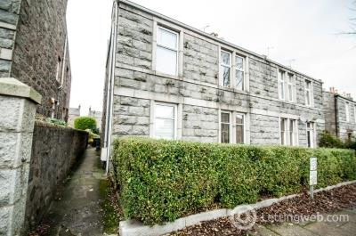 Property to rent in Cairnfield Place