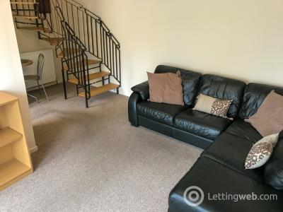 Property to rent in Whinpark Circle