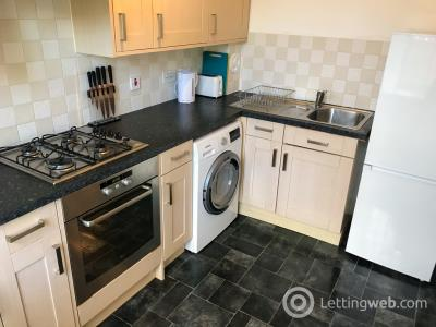 Property to rent in Mary Elmslie Court, AB24