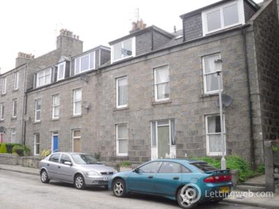 Property to rent in Chestnut Row, Aberdeen