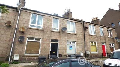 Property to rent in 296 Hardgate, Ground Floor Right, Aberdeen, AB10