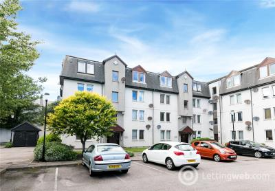 Property to rent in 28 Park Road Court, Aberdeen, AB24