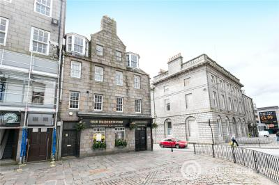 Property to rent in 51d Castle Street, Aberdeen, AB11