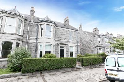 Property to rent in 17 Burns Road, Aberdeen, Aberdeenshire, AB15