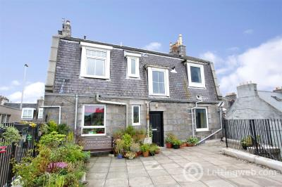Property to rent in 217b Holburn Street, Aberdeen, AB10
