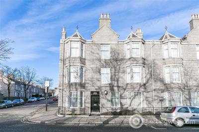 Property to rent in Flat 2, 10 Whitehall Place, Aberdeen, Aberdeenshire, AB25