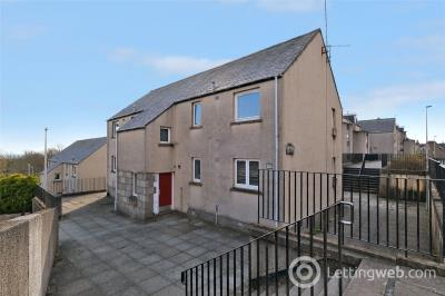 Property to rent in 80 Spital, Aberdeen, AB24