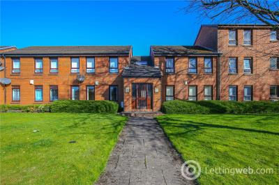 Property to rent in 39 Princes Gate, Rutherglen, Glasgow, G73