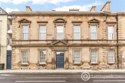 Property to rent in Flat F, Fiscals House, 3 South Street, Perth, PH2
