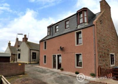 Property to rent in 8 Earls Court, Boddam, Peterhead, AB42