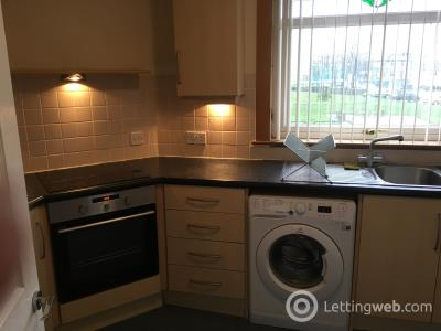 Property to rent in calder Crescent