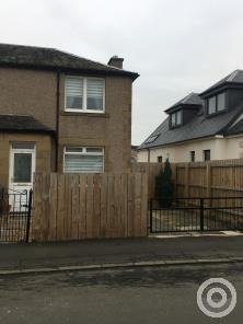 Property to rent in longstone avenue