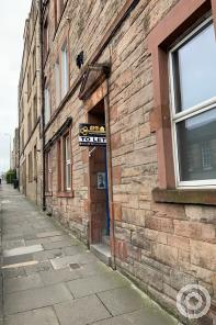 Property to rent in robertson avenue, 8, 2