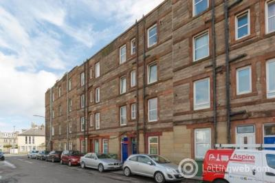 Property to rent in Lochend Road North