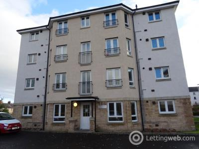 Property to rent in Simpson Square, Perth,