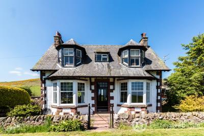 Property to rent in Grieves House Kinclune Farm, Kirriemuir