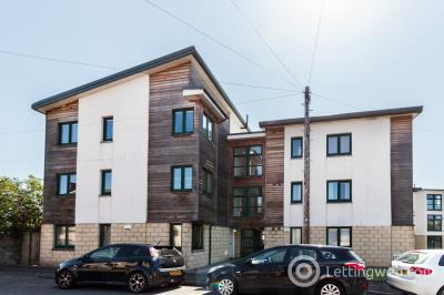 Property to rent in 3 Market Mews Market Place, Forfar