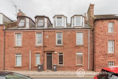 Property to rent in West Newgate, Arbroath, Angus, DD11 1BZ
