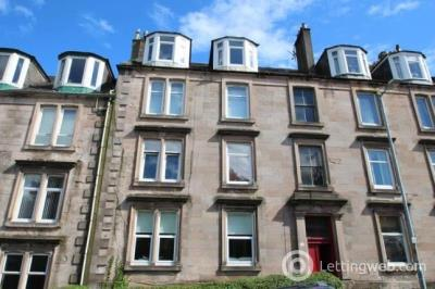 Property to rent in 7 caddlehill st