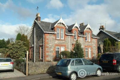 Property to rent in School Road, Rhu, G84 8RS