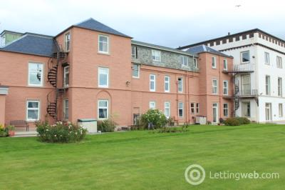 Property to rent in 9 Queens Court, Helensburgh, G84 7AH