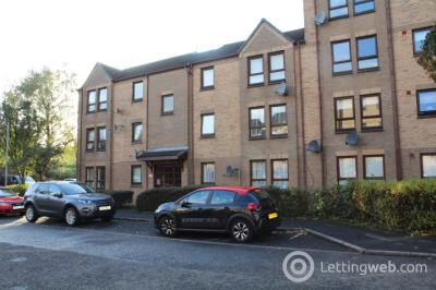 Property to rent in 2/5 Hartfield Court, Dumbarton, G82 2ET