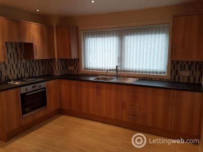Property to rent in Mains Hill