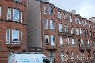 Property to rent in Mannering Court, Shawlands