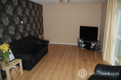 Property to rent in High Parksail Erskine