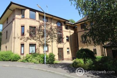 Property to rent in Riverside Gardens, Busby
