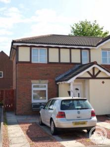 Property to rent in Jamieson Avenue, Stenhousemuir, Larbert, FK5