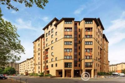 Property to rent in Parsonage Square, Merchant City, Glasgow, G4