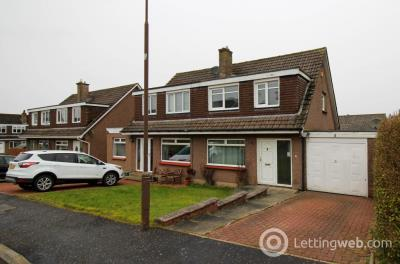Property to rent in Petershill Gardens, BATHGATE, EH48