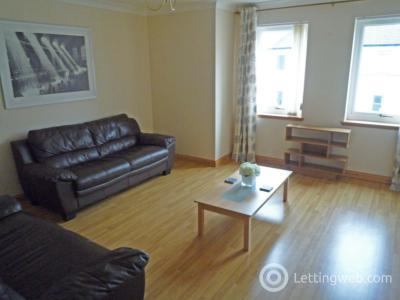 Property to rent in Pittodrie Place, Aberdeen, AB24 5QR