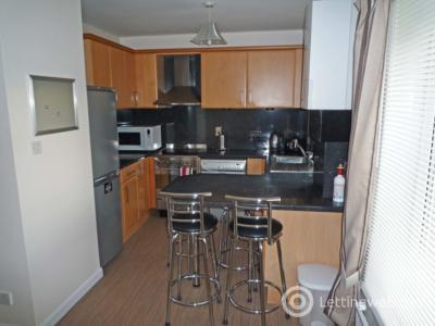 Property to rent in 18 Whitehall Mews, Whitehall Place, Aberdeen, AB25 2YY