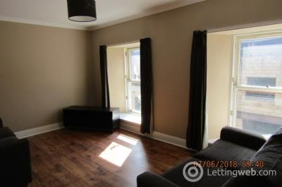 Property to rent in Bank Street, Dd1