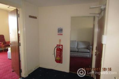 Property to rent in Perth Road, West End