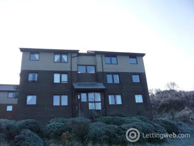 Property to rent in Tulloch Court, Cowdenbeath