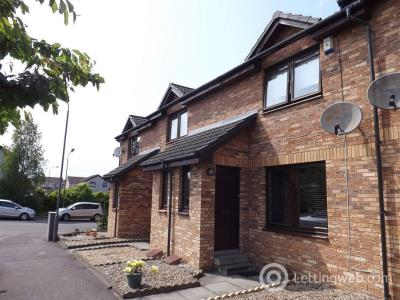 Property to rent in Sinclair Place, Falkirk, FK2