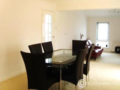 Property to rent in Elderslie Drive