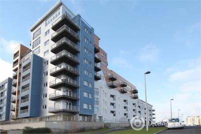 Property to rent in Heron Place, Edinburgh