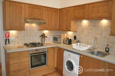 Property to rent in Johnston Terrace, Edinburgh