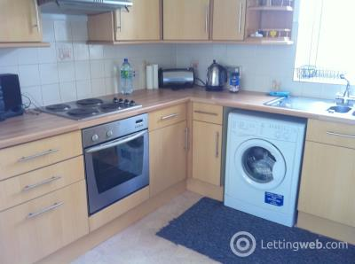 Property to rent in Main Street, EAST CALDER
