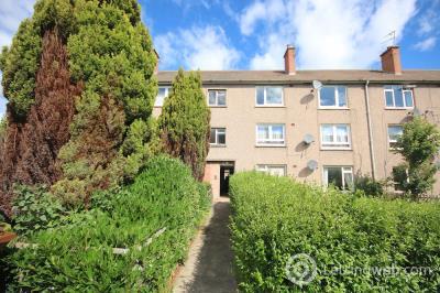 Property to rent in Magdalene, Edinburgh