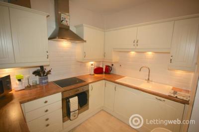 Property to rent in Bruntsfield Place, Edinburgh EH10