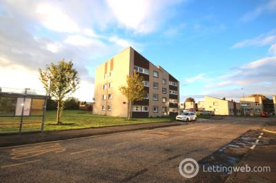 Property to rent in 2 bed flat - available now Calder Grove, Sighthill, Edinburgh EH11