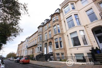 Property to rent in Flat 4, 15 Woodlands Terrace