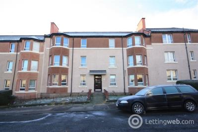 Property to rent in Flat 2/2, 75 Birchfield Drive