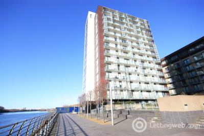 Property to rent in Flat 12/7 354 Meadowside Quay Walk